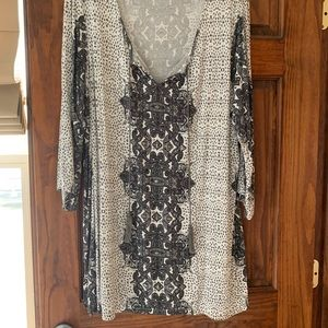 Rose & Olive 3/4 sleeve tunic blouse with tassels